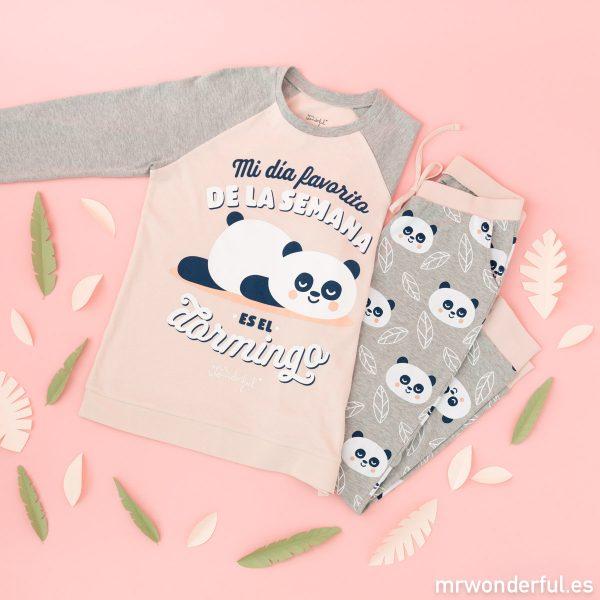 Pijama de invierno de mujer de Mr. Wonderful y Tezenis formado por un conjunto de camiseta de manga larga y pantalón largo de colores rosa y gris.