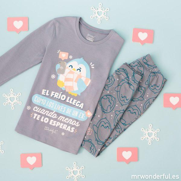 Pijama de invierno de mujer de Mr. Wonderful x Tezenis con un mensaje moderno y juvenil y un dibujo muy divertido.