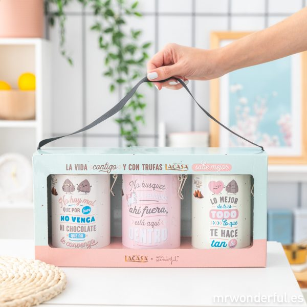 Set de tres latas con trufas de chocolates Lacasa y diseño de Mr. Wonderful