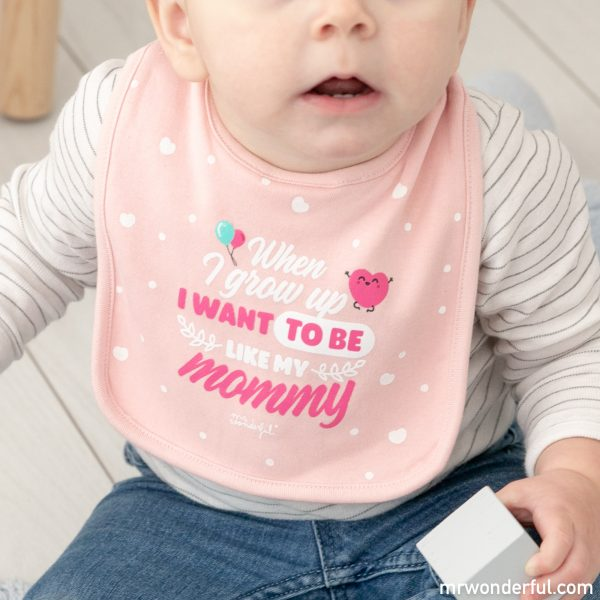 Babero para bebé con mensaje original y divertido de la nueva colección de pijamas premamá y ropa de bebé de Mr. Wonderful para Prénatal