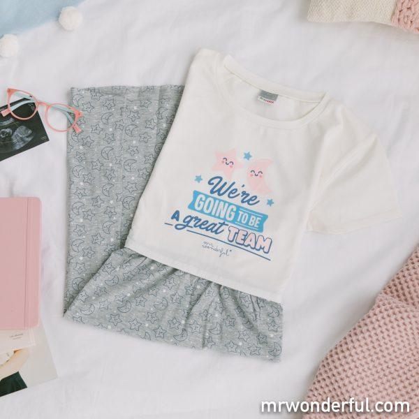 Uno de los cómodos pijamas premamá Prenatal diseñados por Mr. Wonderful